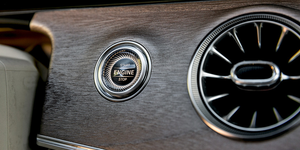 Музыка нас связала. Audi S5 против Mercedes AMG E53
