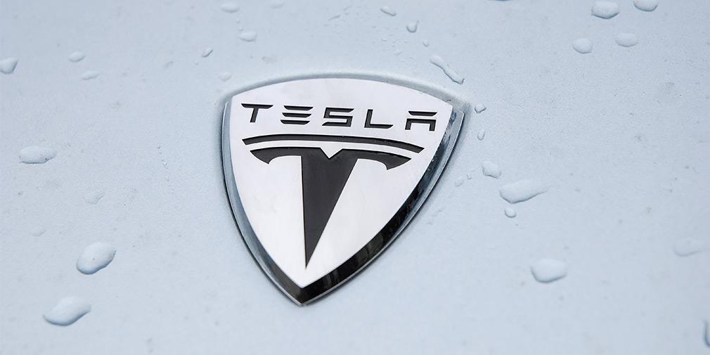 Компактный кроссовер Tesla получит трехрядный салон
