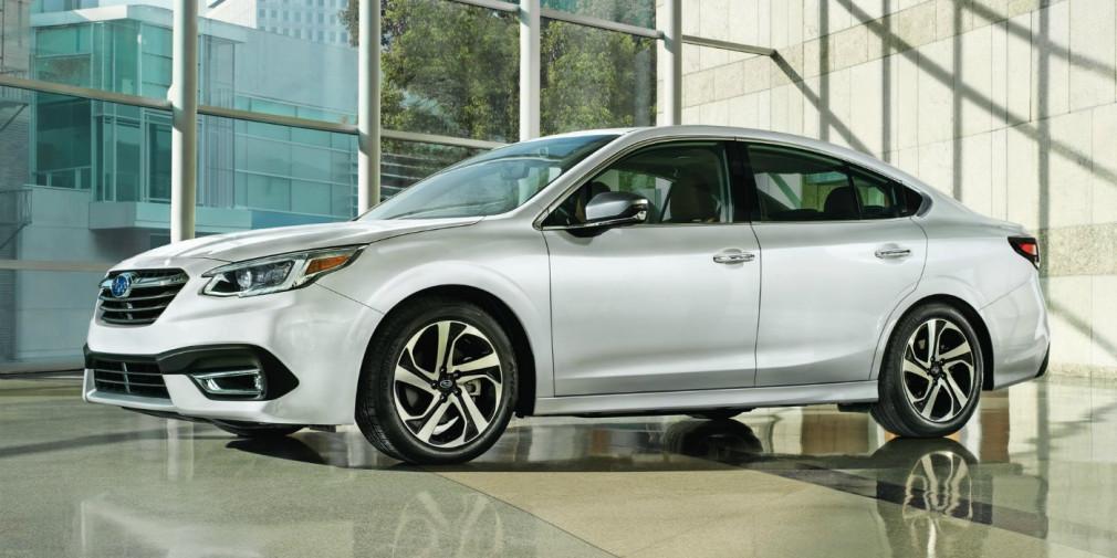 Subaru показала седан Legacy нового поколения