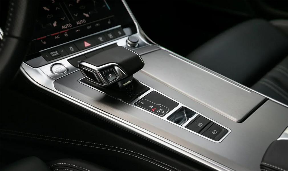 Недешево и сердито. Три мнения об Audi A7