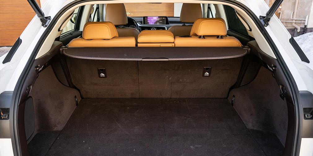 Дизель против гибрида: тест-драйв Jaguar F-Pace и Lexus RX