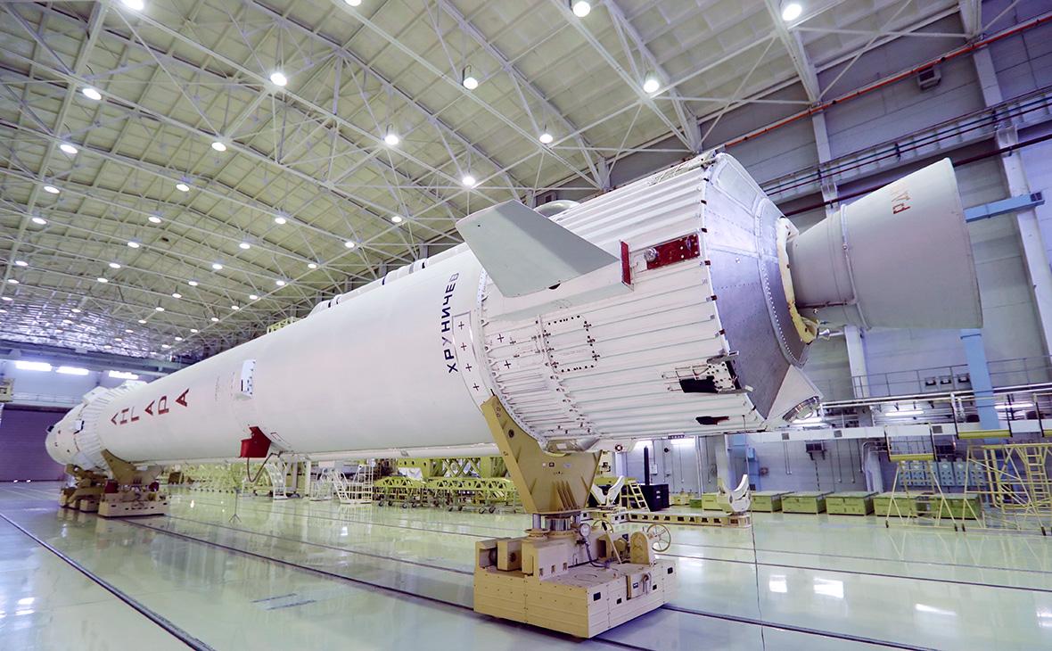Макет ракеты-носителя «Ангара»