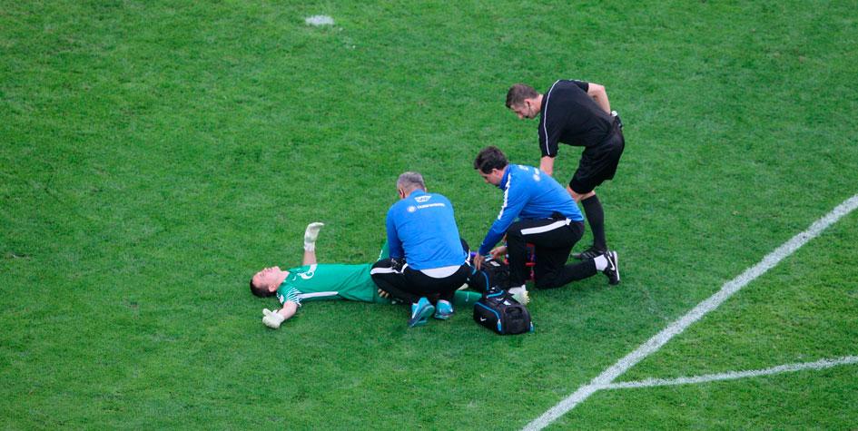 Манчини сообщил о серьезной травме вратаря «Зенита» и сборной России
