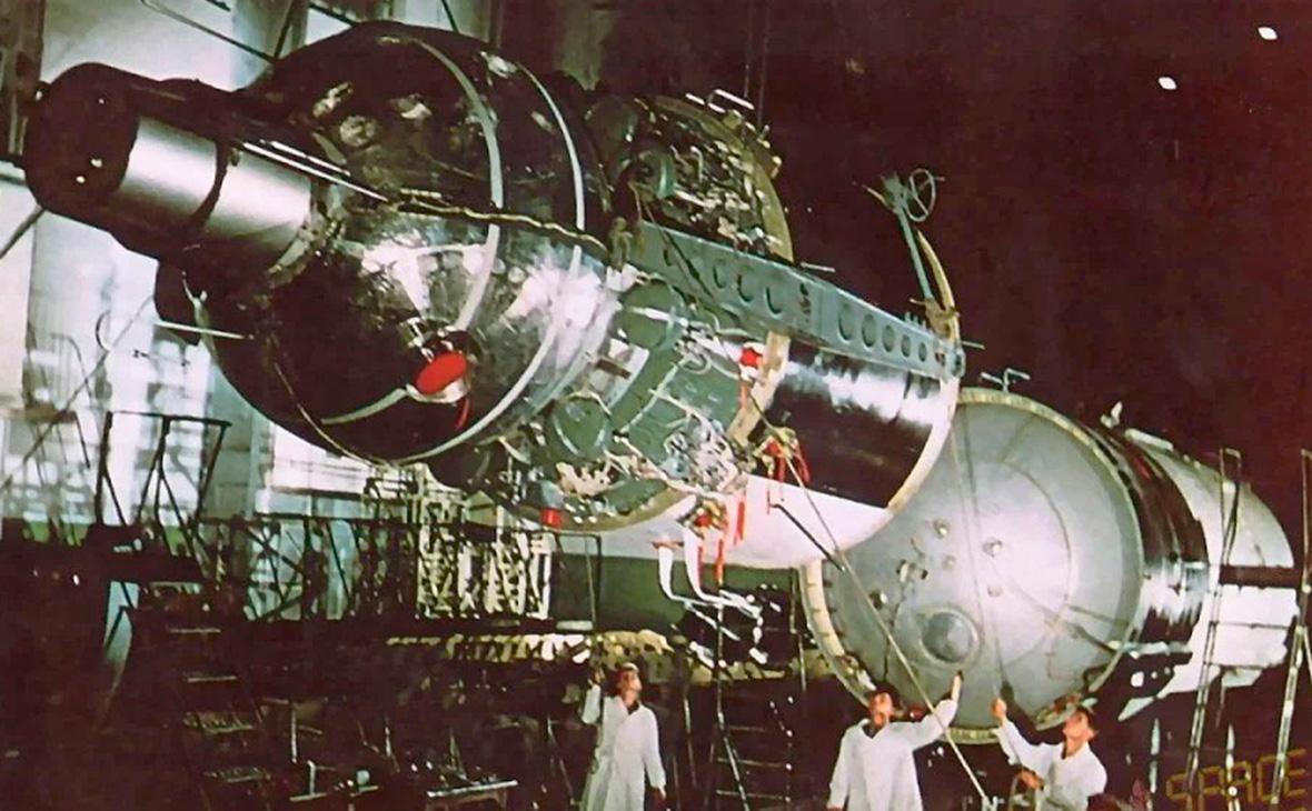 Многоместный космический корабль «Восход»