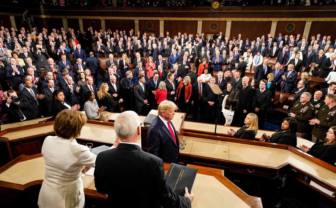 Дональд Трамп во время послания парламенту