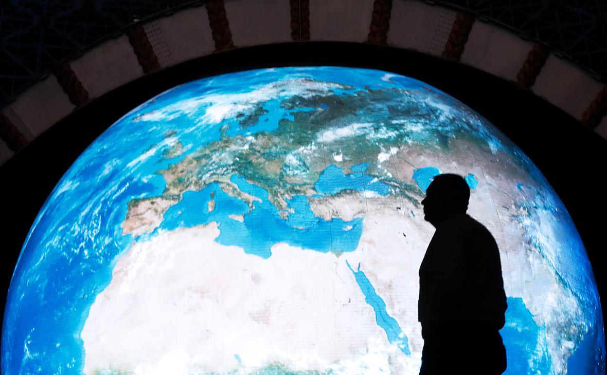 Ученые узнали о смещении магнитного полюса Земли к России