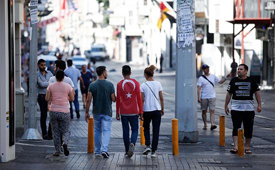 Люди на улицах Стамбула. 16 июля 2016 года