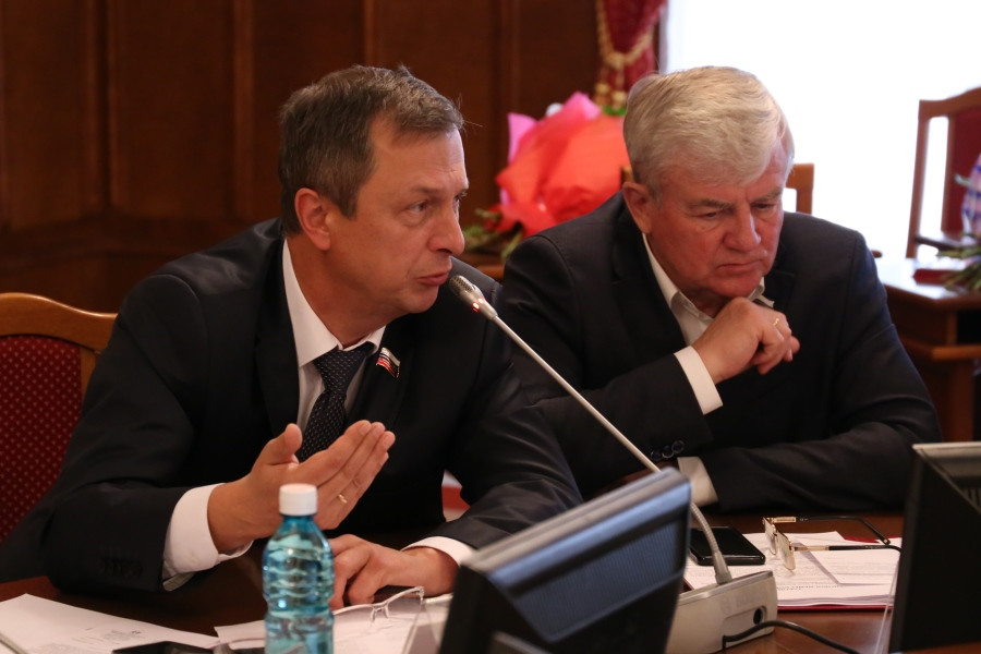 депутаты Денис Субботин и Анатолий Григорьев