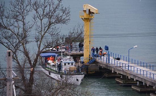Поисково-спасательные работы наместе катастрофы самолета Ту-154 Минобороны РФ у побережья Сочи