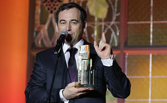 Владелец Московского кредитного банка Роман Авдеев спризом запобеду вноминации «Лучший банк 2013 года» вовремя VI ежегодной церемонии награждения лучших кредитных организаций «Банк года»
