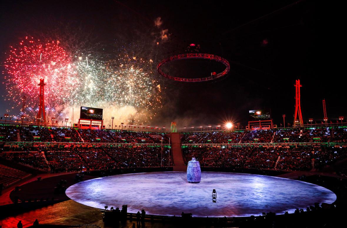 Церемония открытия проходила на стадионе Pyeongchang Olympic Stadium в городе Пхёнчхан. Об официальном открытии Олимпиады объявил президент Южной Кореи Мун Чжэ Ин.