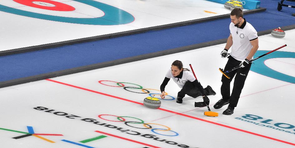 Пхёнчхан-2018, день третий: медали у фигуристов, полуфинал в керлинге