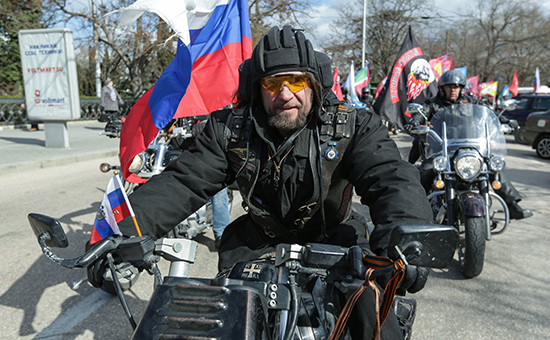 Лидер мотоклуба «Ночные волки» Александр Хирург Залдостанов во время автопробега «Наша Великая Победа»
