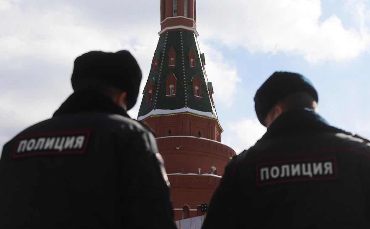 Кабель правительственной связи похитили из коллектора около Кремля