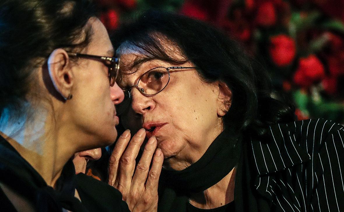 Дочь Мария и вдова Гитана Леонтенко