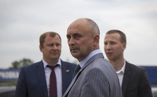 Анатолий Гусев (в центре)