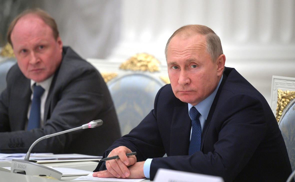 cлева – советник президента, председатель Совета по русскому языку Владимир Толстой