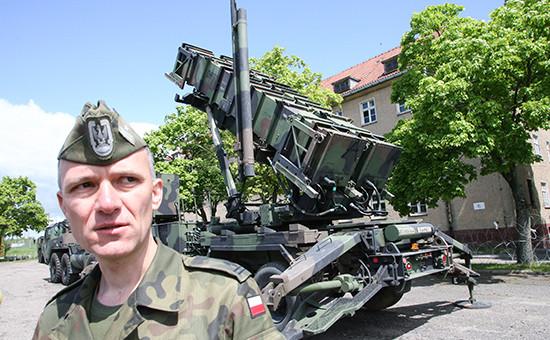 Батарея американских ракет ПВО «Пэтриот», расквартированная вПольше врайоне города Моронг, расположенного в60 кмот границы сроссийской Калининградской областью. Архивное фото