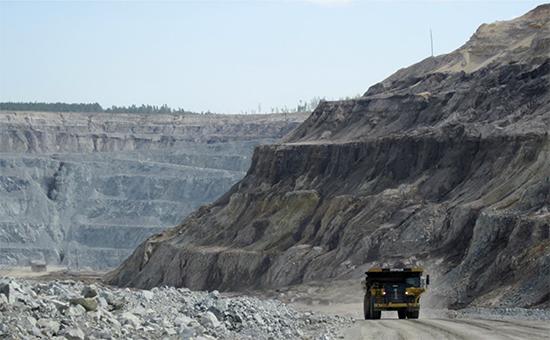 Добыча золота на рудникe компании  Petropavlovsk