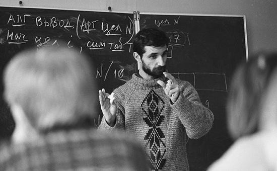 Cергей Бебчук во время урока информатики в «Лигешкол». 1 ноября 1994 года