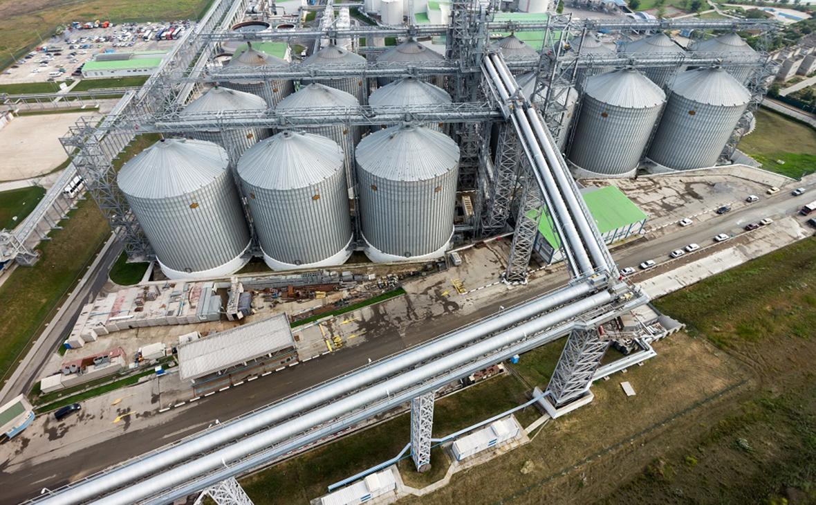 Швейцарский суд заморозил счета зернового терминала в Тамани