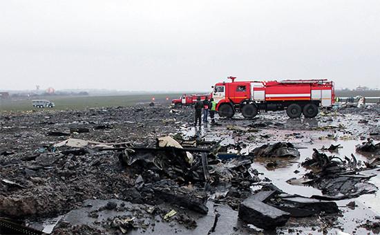 На месте крушения летевшего из Дубая пассажирского самолета Boeing737-800