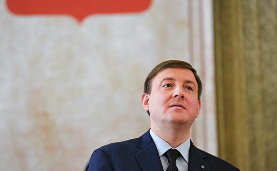 Единоросс, губернатор Псковской области Андрей Турчак, получивший самую низкую оценку— 2 балла, всписках аутсайдеров был ивпрошлом году, однакопост свой сохранил