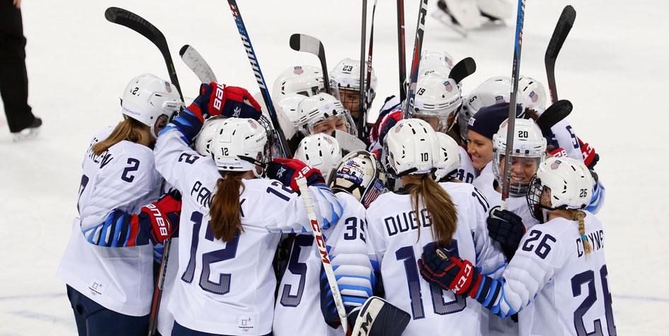 МОК разрешил сборной США по хоккею оставить Статую Свободы на шлемах