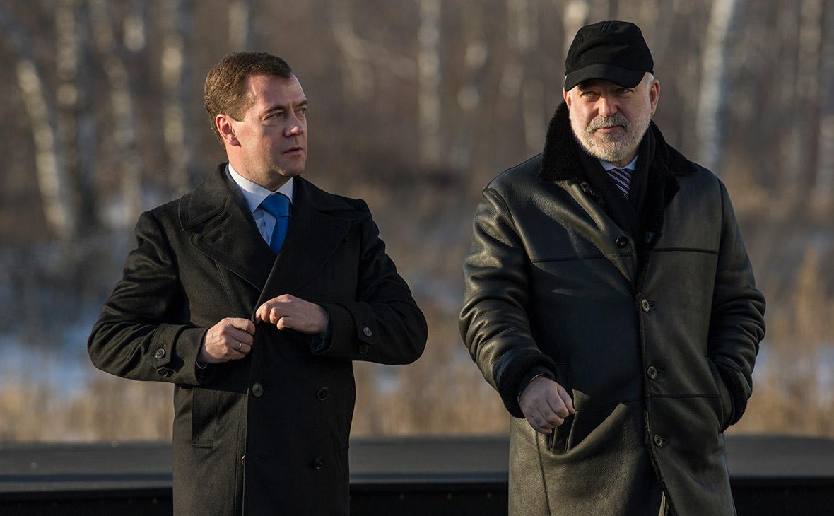Дмитрий МедведевиВиктор Вексельберг