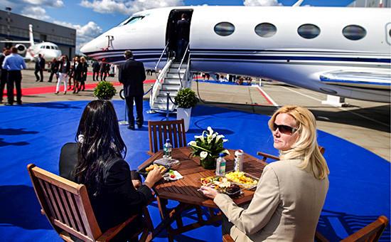 Международная выставка деловой авиации Jet Expo-2014 на территории центра бизнес-авиации Внуково-3