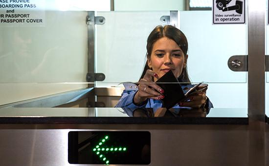 Зона паспортного итаможенного контроля ваэропорту «Домодедово»