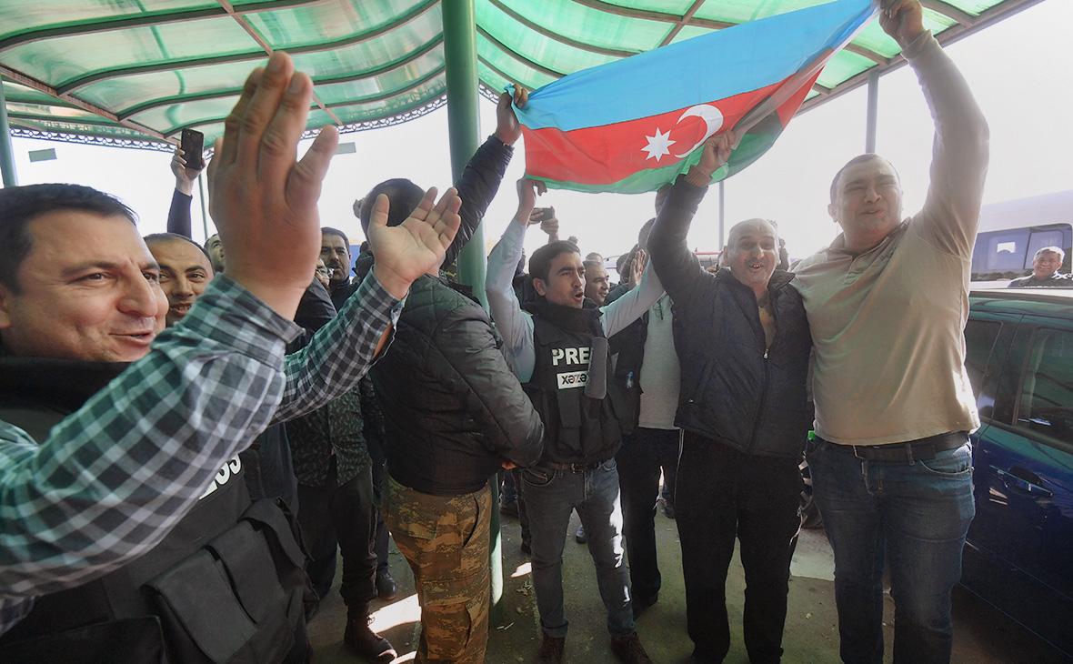 Азербайджан объявил о взятии одного из ключевых городов Карабаха