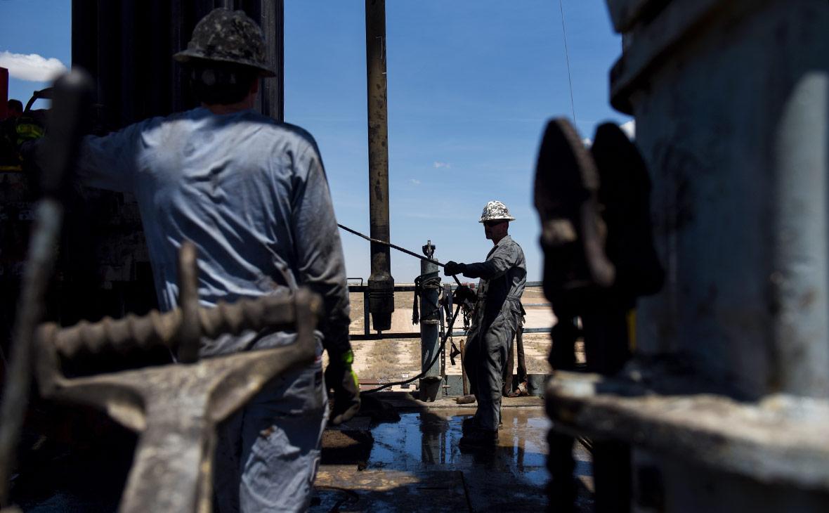 Цена нефти в рублях опустилась ниже заложенной в бюджет
