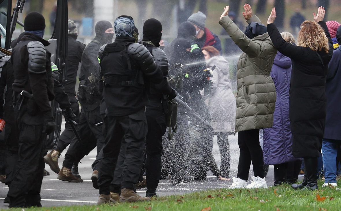 Силовики разогнали протестующих на очередной воскресной акции в Минске