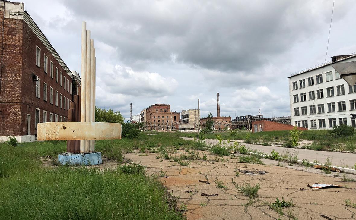Территория предприятия химической промышленности «Усольехимпром» в городе Усолье-Сибирское