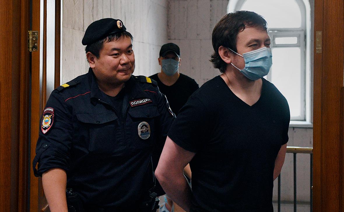 Игорь Ляховец (справа)