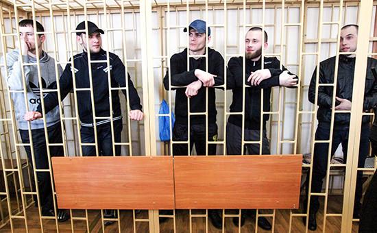 Участники банды «приморских партизан» в зале Приморского краевого суда во Владивостоке. Апрель 2014 года