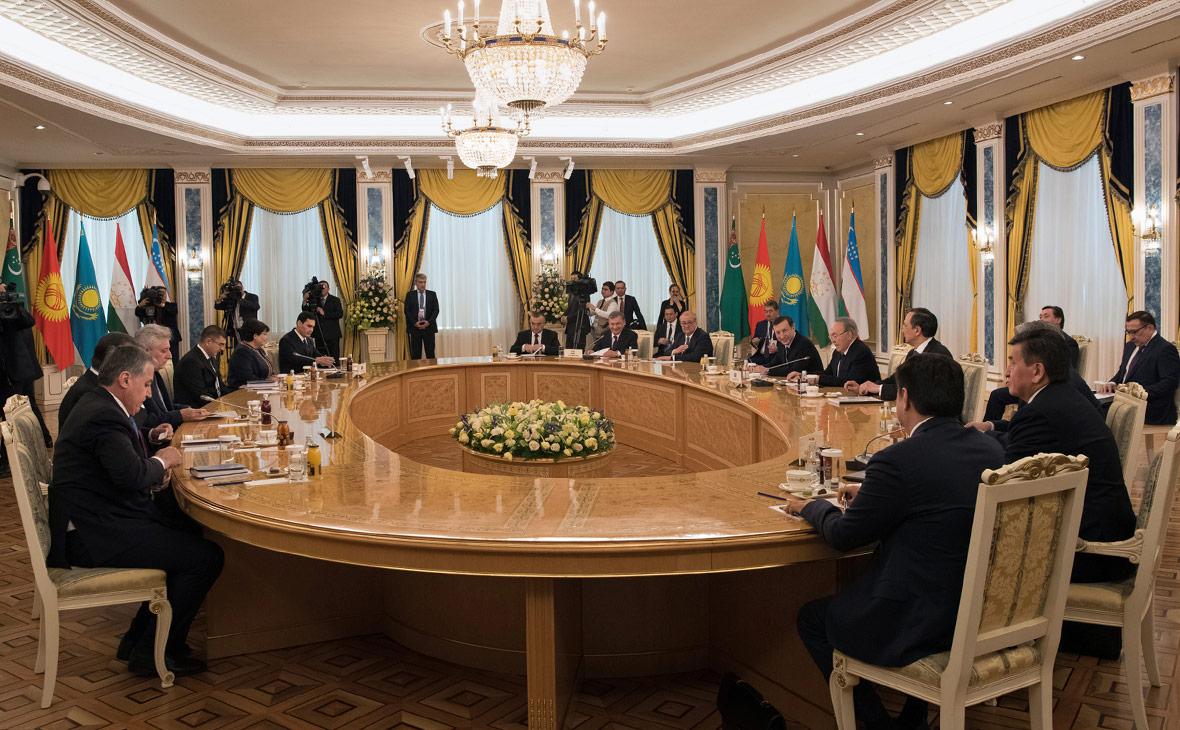 Лидеры стран Центральной Азии на рабочей встрече в Астане