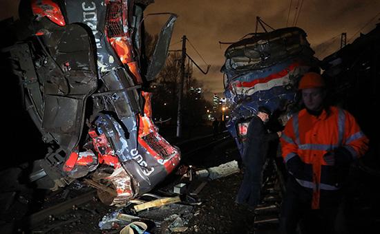 Последствия столкновения электрички и поезда