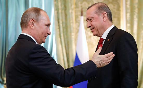 Владимир Путин иРеджеп Тайип Эрдоган (слева направо)