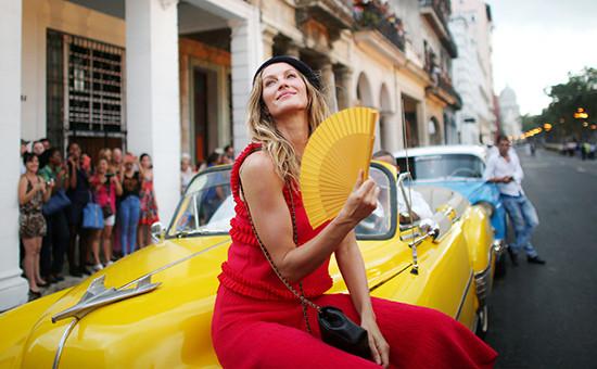 Бразильская модель Жизель Бундхен