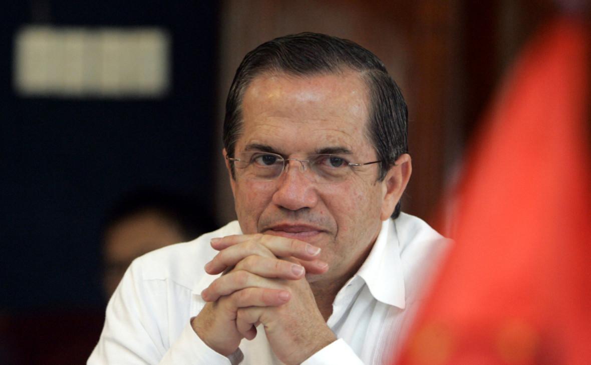 Подозреваемый в связи с WikiLeaks экс-глава МИД Эквадора сбежал из страны