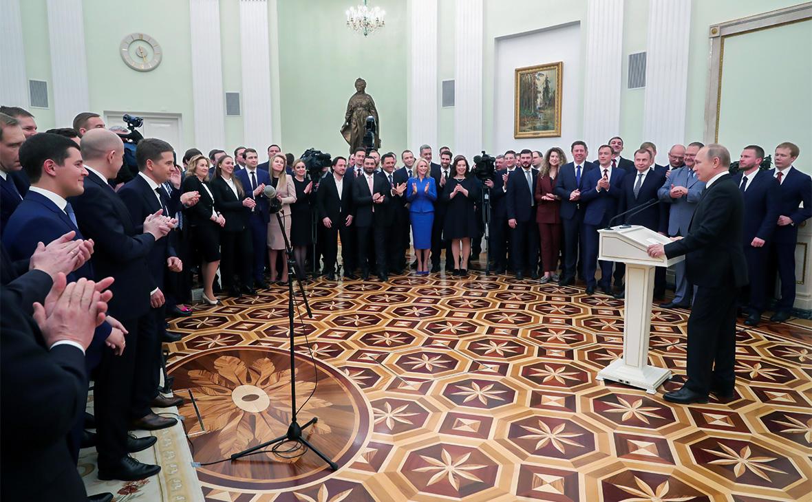 Путин посоветовал чиновникам «не бронзоветь» и «быть частью общества»