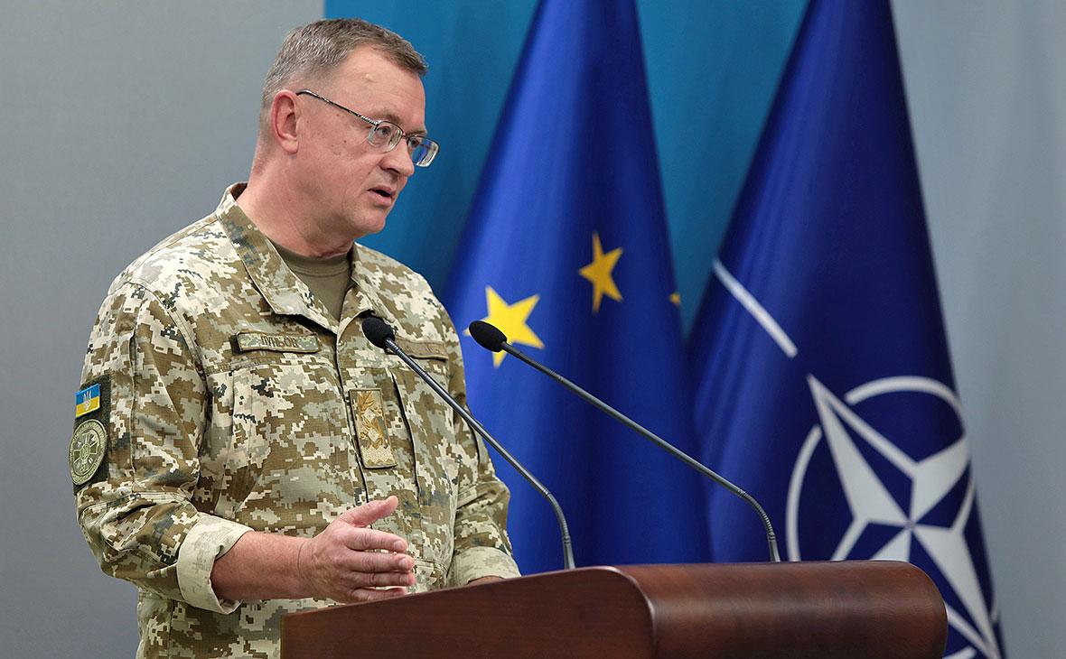 Зеленский уволил попавшего под санкции командующего силами спецопераций