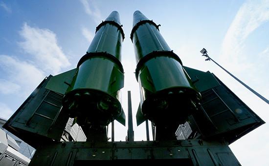 Ракетный комплекс «Искандер-М» нацеремонии открытия международного военно-технического форума «Армия-2016» воВладивостоке, 6 сентября 2016 года