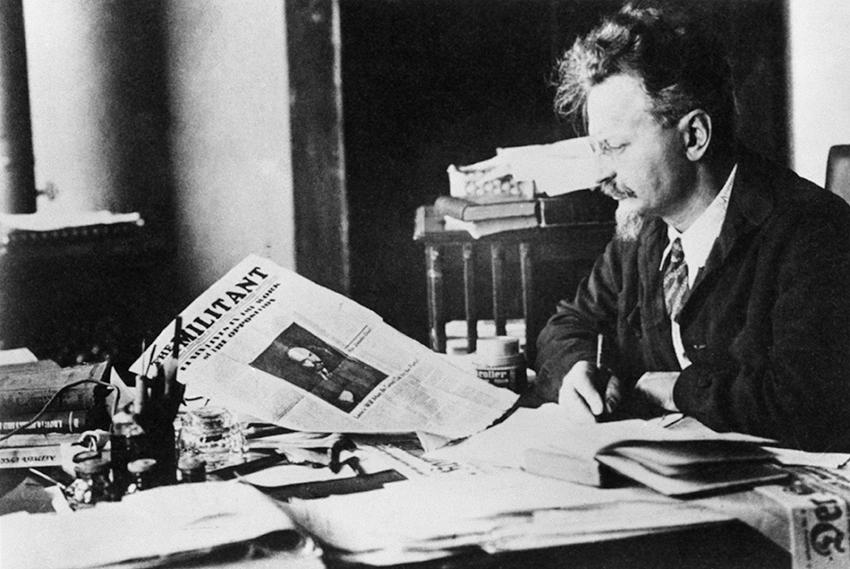 Фото:Троцкий Л.Д. в Турции, 1929-1933 гг. Фото ИТАР-ТАСС