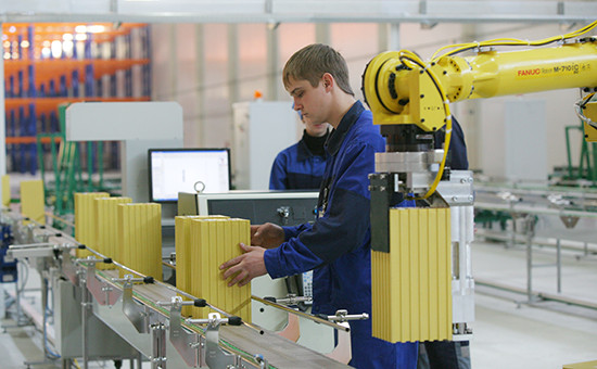 Линия по тестированию готовых аккумуляторов на заводе литий-ионных аккумулятороввНовосибирской области