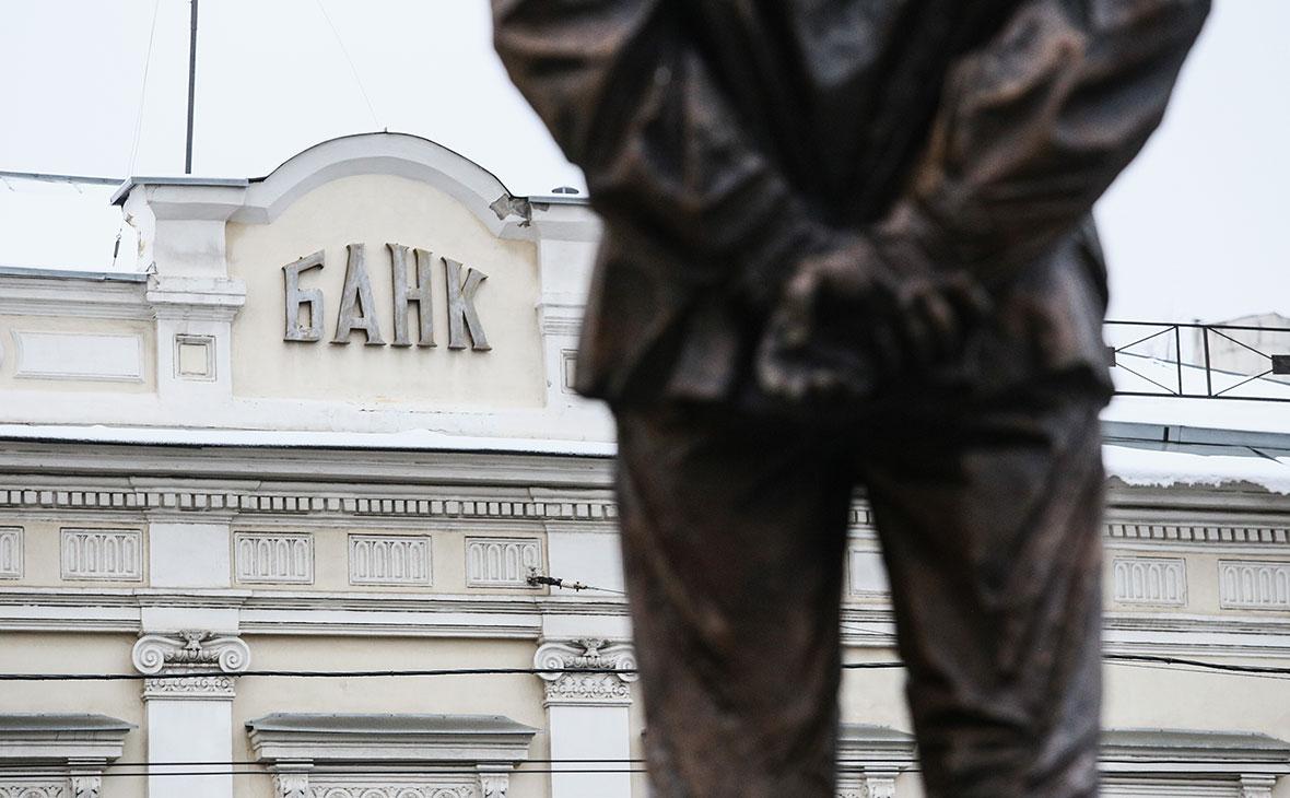 Банки стали в два раза чаще продавать свежие долги коллекторам