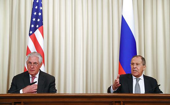 Рекс Тиллерсон иСергей Лавров (слева направо)