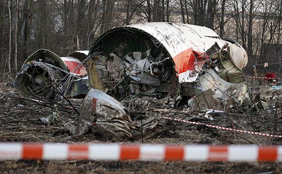Обломки самолета президента ПольшиЛеха Качиньского. 11 апреля 2010 года